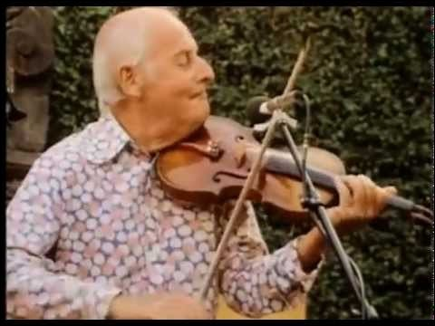 """Ce musicien, violonistes de jazz qui a créé avec Django Reinhardt le """"Quintette du Hot Club de France"""", c'est ... Grappelli."""