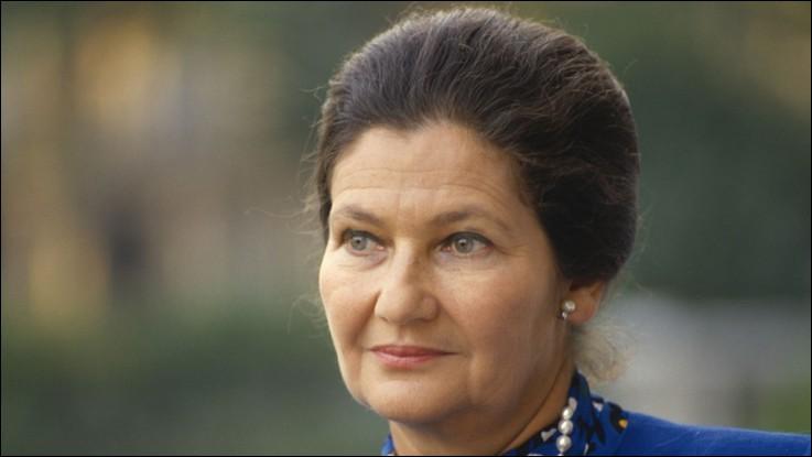 Cette femme politique a été Ministre de la santé à deux reprises et Présidente du Parlement européen de 1979 à 1982 : elle se prénomme ...