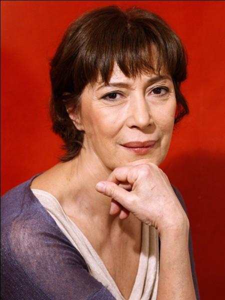 """Elle a reçu à deux reprises le César de la meilleure actrice dans un second rôle, en 1999 pour son rôle dans """"Le Goût des autres"""" et, en 2010, pour le personnage de Louisa dans """"Le Bruit des glaçons"""" : c'est ..."""