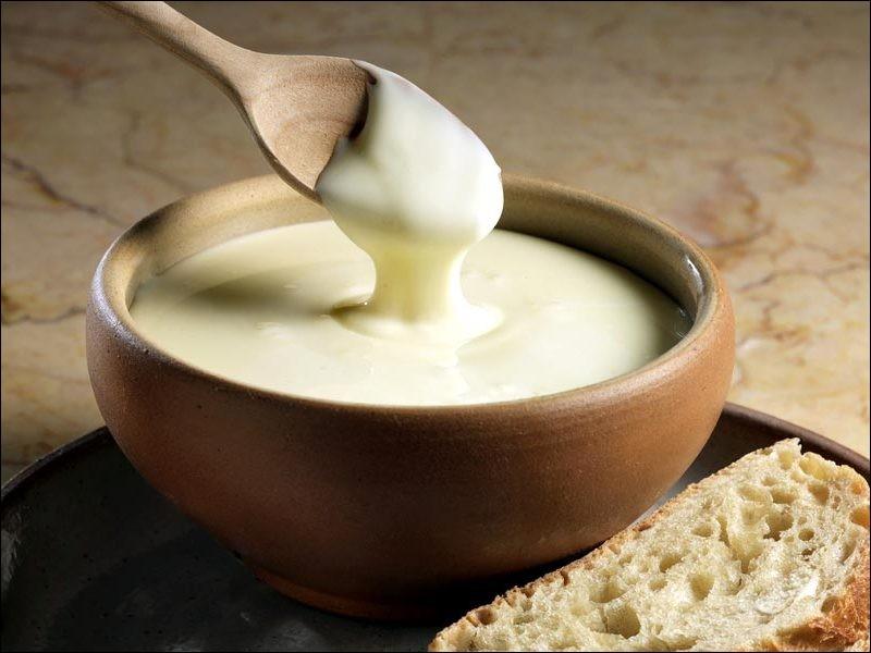 Quel est le nom de ce fromage fabriqué principalement en Franche-Comté ?