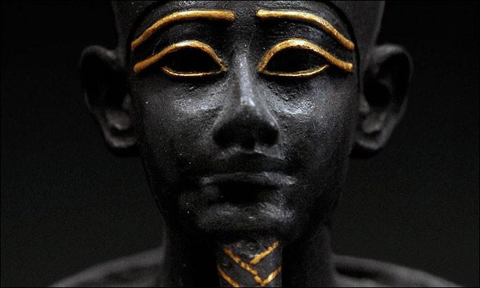 Dans quelle mythologie peut-on retrouver Osiris ?