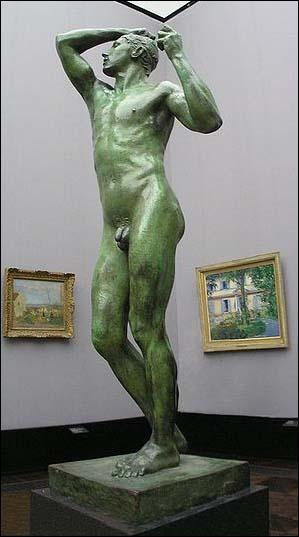 Le succès commence en 1877 avec sa première grande œuvre L'Âge d'airain. Sa particularité, qui se retrouvera dans toutes ses sculptures, est