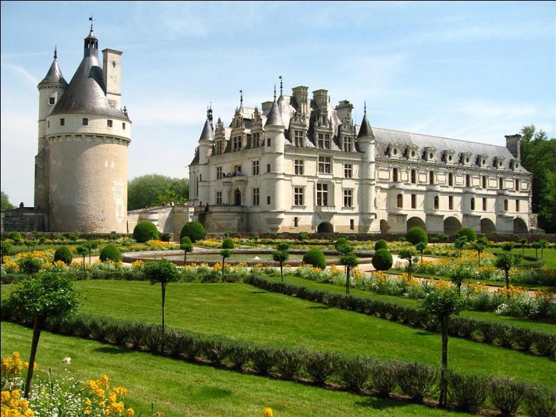 De quelle époque date le château de Talcy ?