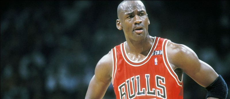 Sport : BasketballPays : USAPalmarès : 2 titres olympiques - 6 titres NBA - membre du Basketball Hall of Fame en 2009Période de domination : 15 ans (1984 - 1998)