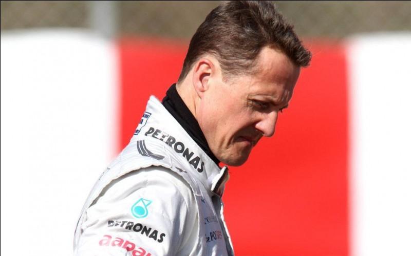 Sport : Formule 1Pays : AllemagnePalmarès : 68 pole position - 7 fois champion du monde - 155 podiums - 91 recordsPériode de domination : 17 ans (1991 - 2006 et 2010 - 2012)