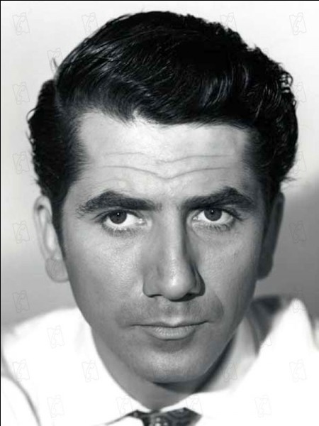 """Cet acteur, vedette des années 50, était Louis Bernard dans """"L'Homme qui en savait trop"""" d'Alfred Hitchcock : c'est ..."""