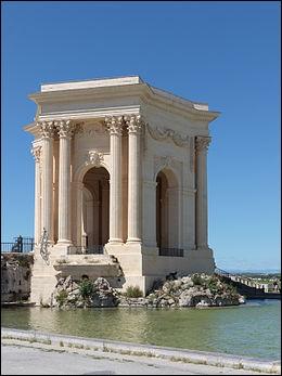Sur l'image, vous pouvez voir le château d'eau, monument emblématique de :