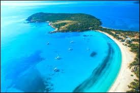 L'île de Corse se trouve dans la mer...