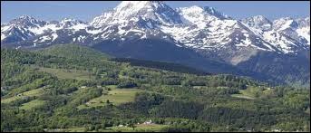Cette chaîne de montagnes du Sud-Ouest de l'Europe s'appelle les...