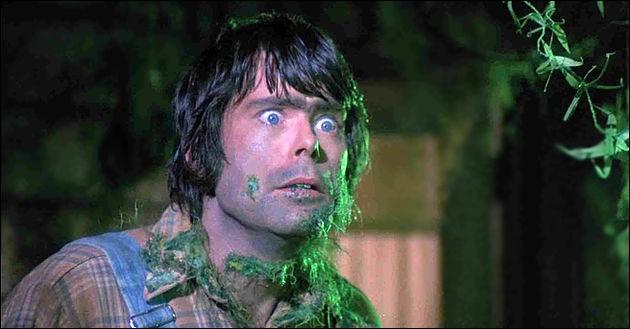Stephen King a aussi été acteur. Il a joué dans un film à sketches (cf. image). De quel film s'agit-il ?