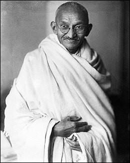 Quel était le surnom de Mohandas Karamchand Gandhi (1869-1948) ?