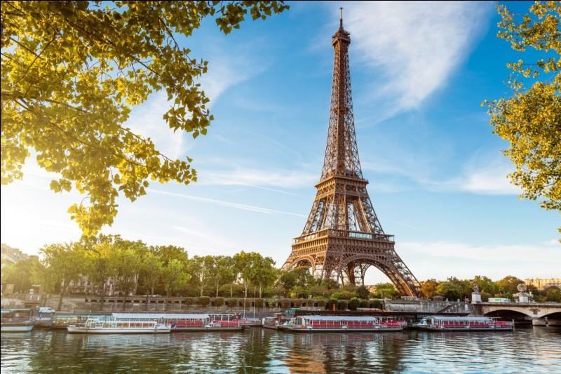 En quelle année la Tour Eiffel fut-elle inaugurée ?