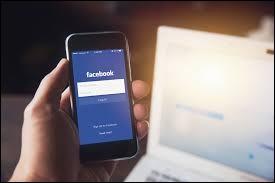 Ton ami a oublié de se déconnecter de son Facebook. Que fais-tu ?