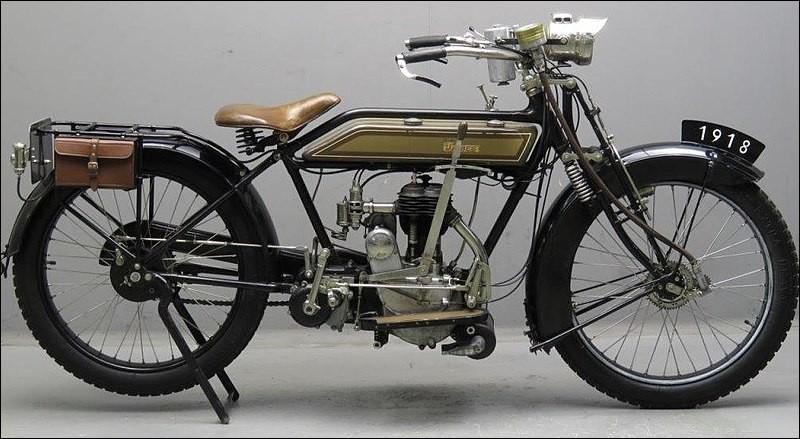De quelle marque cette moto est-elle ?