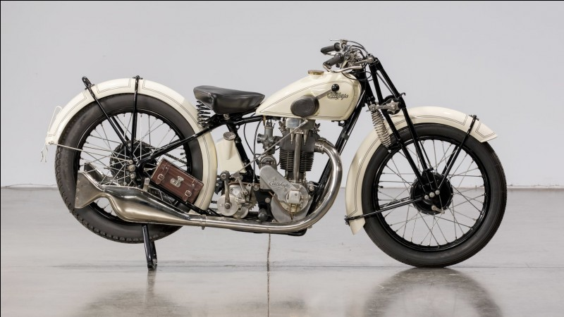 De quelle marque est cette moto ?