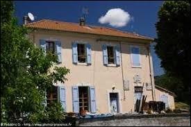 Petit village Bas-Alpin de 43 habitants, Hautes-Duyes se situe en région ...
