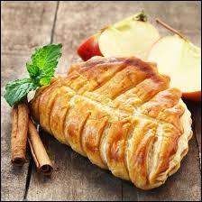 Quel type de pâte est utilisée pour la réalisation d'un chausson aux pommes ?
