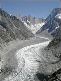 Dans quel massif se trouve la mer de glace ?