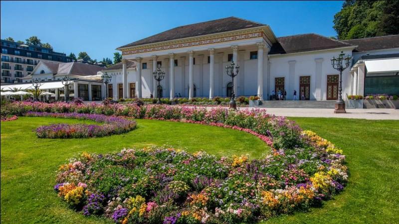 La prestigieuse ville thermale de Baden-Baden est située...