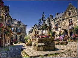 Quel est le nom de ce village situé dans le département du Morbihan ?