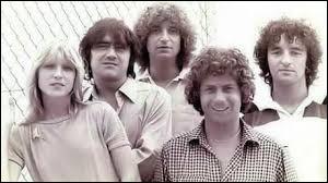 """Le groupe musical français 'Il était une fois' a chanté """"Les Filles du mercredi"""" dans les années 70."""