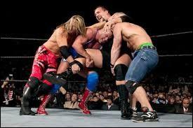 Lequel de ces hommes a gagné le Royal Rumble 2004 ?