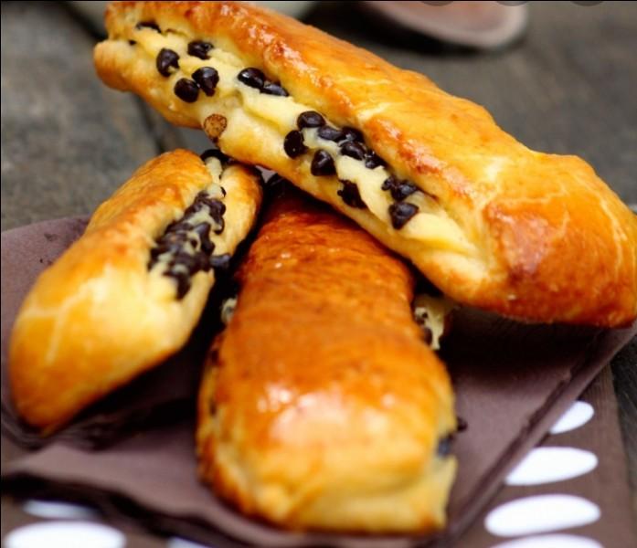 Les brioches suisses sont faites avec de la crème pâtissière.