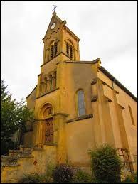 Cette semaine, notre balade commence dans le Grand-Est devant l'église Saint-Christophe de Bazoncourt. Village sur la rive gauche de la Nied française, il se situe dans le département ...