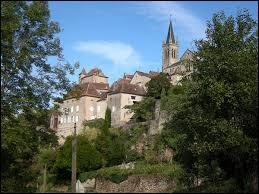 Je vous propose de partir en Occitanie à la découverte de Faycelles. Village du Quercy, dans l'aire urbaine de Figeac, il se situe dans le département ...