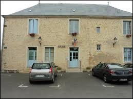 Commune Sarthoise, Nouans se situe en région ...