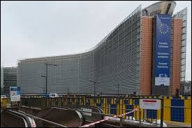 Dans quelle ville se trouve le siège de la Commission Européenne ?