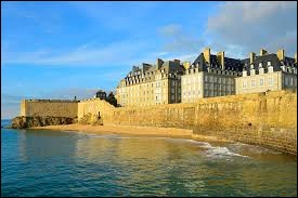 Comment appelle-t-on les habitants de la ville de Saint-Malo ?