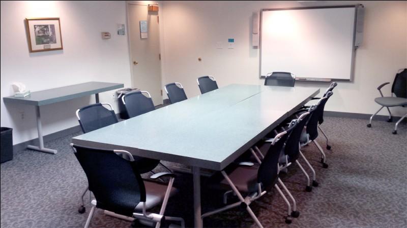 """Comment dit-on une """"réunion"""" en anglais ?"""
