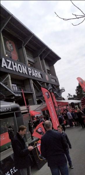 Comment se nommait le stade avant le Roazhon Park ?