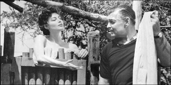 Victor Marswell capture des animaux africains pour les zoos et dirige des safaris. Arrive une Américaine, Eloise. Quel est ce film de John Ford avec Clark Gable, Ava Gardner et Grace Kelly ?