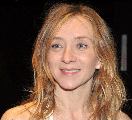 """Elle était Momone dans """"La Môme"""", Anne dans """"Pour une femme"""" de Diane Kurys, Chantal Legorjus dans """"L'Ordre et la Morale"""" de Mathieu Kassovitz : c'est ..."""