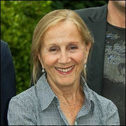"""Elle s'est fait connaître du grand public par son rôle de madame Le Quesnoy dans """"La Vie est un long fleuve tranquille""""; elle a été ensuite Evelyne dans """"J'embrasse"""" et Yvette Evrard, la mère d'Alain dans """"Quelques heures de printemps"""" : c'est ..."""
