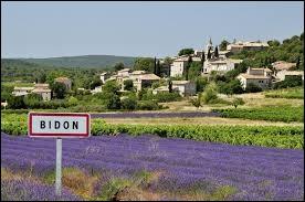 Nous sommes à présent en région Rhône-Alpes, à l'entrée de Bidon. C'est un village situé dans le département ...