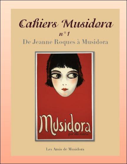 """1927-1942- Musidora met une parenthèse à sa vie de bohème et d'artiste. Après un mariage, un enfant et un divorce, elle dessine, peint, sculpte et écrit des poèmes, des nouvelles etc... Quelle est la particularité de ce recueil de poèmes très singulier qu'elle a titré """"Auréoles """" ?"""