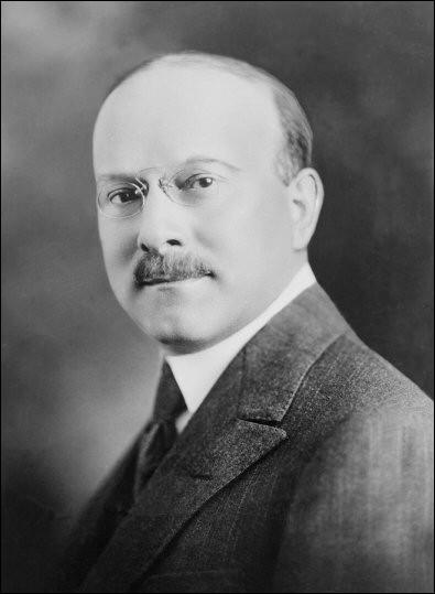 Cet ingénieur et industriel, qui a appliqué les méthodes du fordisme dans son usine du quai de Javel pour produire des obus, a été ensuite un pionnier de l'industrie automobile française. Il se prénomme ...
