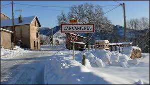 Petit vue hivernale avec cette image du village Ariégeois de Carcanières. Peuplé de 77 habitants, il se situe en région ...