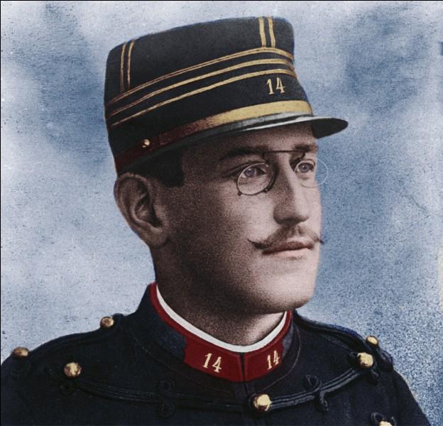 Dans l'affaire Dreyfus, à qui le capitaine Alfred Dreyfus était-il accusé à tort d'avoir vendu des documents secrets français ?