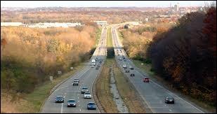 Quel est le kilométrage mondial de route asphaltée ?