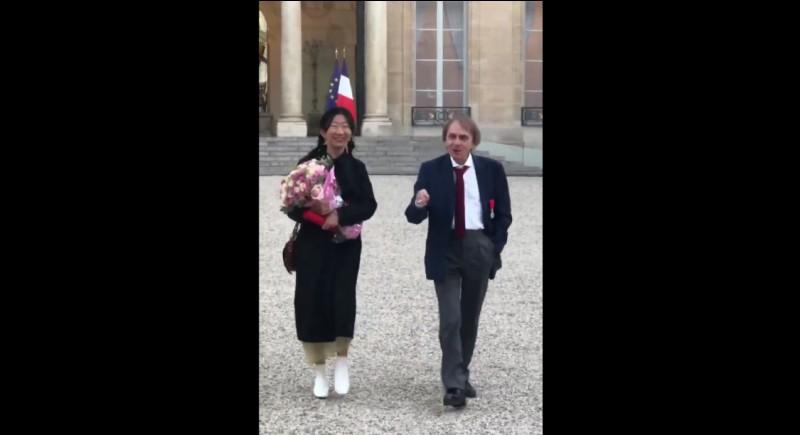 En quelle année Michel Houellebecq reçoit-il la Légion d'honneur ?