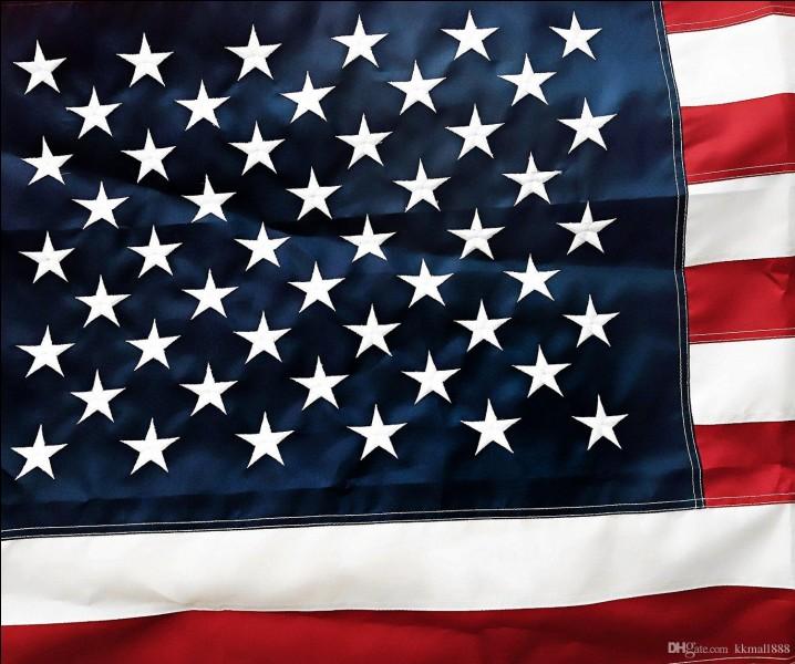 Combien de rayures le drapeau des États-Unis comporte-t-il ?