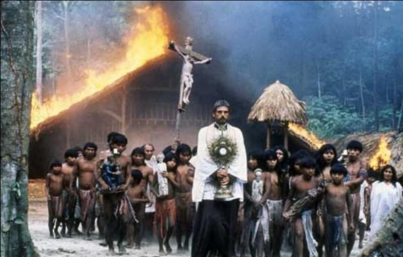 Au milieu du XVIIIe siècle, un jésuite espagnol s'aventure dans la forêt tropicale afin d'évangéliser les Amérindiens. Le film relate l'histoire des jésuites chez les Guarani, aux confins du Paraguay, de l'Argentine et du Brésil. Il s'agit de ...