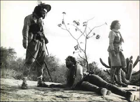 Ce film, réalisé par Glauber Rocha, sorti en 1964, appaudi par la critique, met en scène un couple, Manuel et Rosa, bercés dans la misère des terres arides du Sertão. Quel est le titre français de de film ?