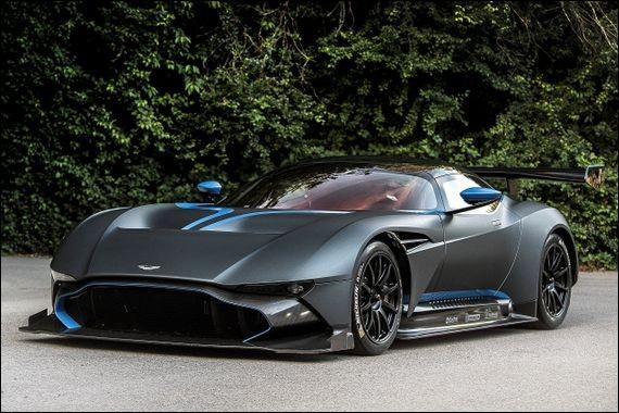 Quel est le modèle de cette Aston Martin ?
