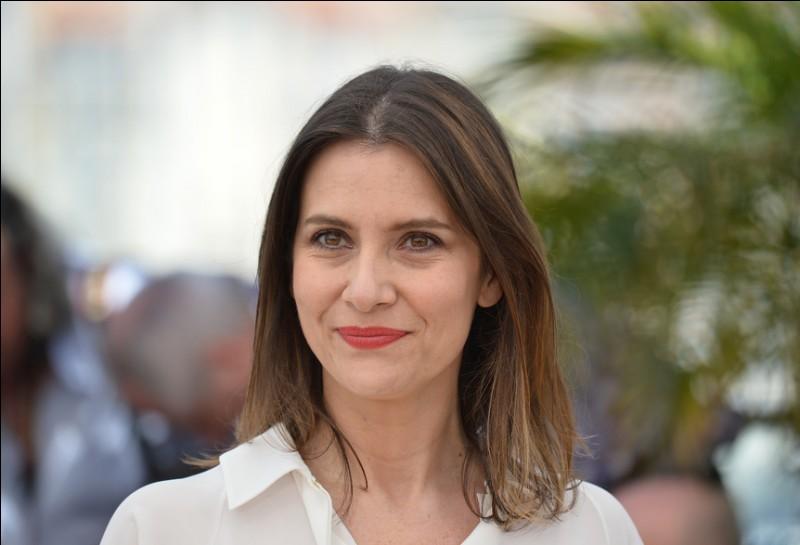 """Elle a joué dans """"Le Coût de la vie"""", """"Une vie à t'attendre"""", elle est Prune Angelli dans """"Bus Palladium"""" et Sylvie, la mère d'Isabelle dans """"Jeune et Jolie"""" : c'est ..."""