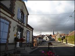 Commune du Centre-Val-de-Loire, dans l'arrondissement de Nogent-le-Rotrou, Montlandon se situe dans le département ...
